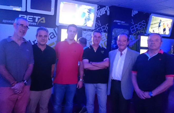 Inauguración del salón Play&Win en Carcaixent (Valencia)