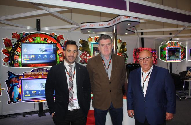 Bitronic presenta una nueva gama de jackpots luminosos y sillones para salones de juego<br />