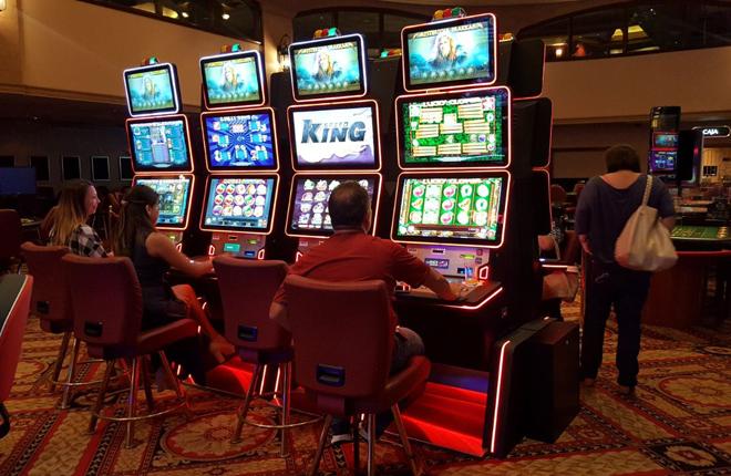Las m&aacute;quinas EZ Modulo, de Casino Technology, en el Casino Atlantic City de Lima<br />