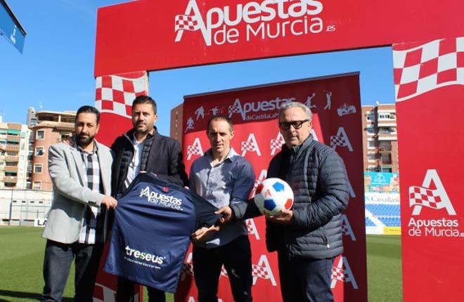 Apuestas de Murcia en la presentaci&oacute;n de Pedro Munitis como nuevo entrenador del UCAM<br />
