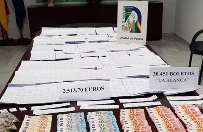 La Polic&iacute;a interviene m&aacute;s de 30.000 boletos de loter&iacute;a ilegal en C&aacute;diz<br />