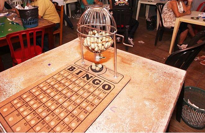 La Polic&iacute;a desmantela en Los Palacios un bingo ilegal que consegu&iacute;a 2.000 euros a la semana de beneficio<br />