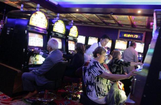 Casinos y m&aacute;quinas de azar de Per&uacute; ser&iacute;an servicios gravados con un impuesto selectivo al consumo <br />