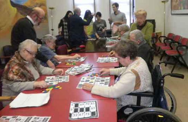 PSC quiere que los ancianos puedan volver a jugar al bingo en las residencias