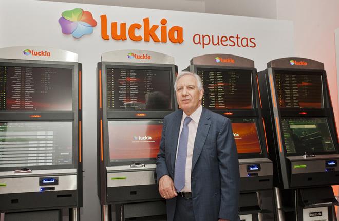 Ruleta, m&aacute;quina multijuegos, nuevas terminales de apuestas, cajero pagador, juego online ... despliegue de Luckia para &quot;los nuevos tiempos&quot;<br />