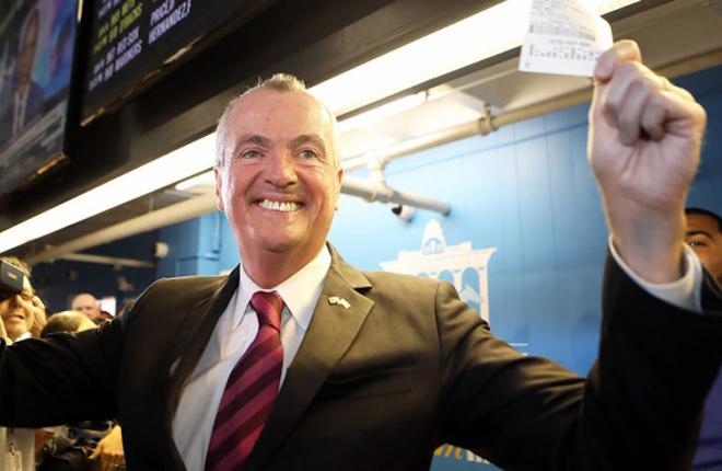 El gobernador de Nueva Jersey estrenó las apuestas deportivas legales
