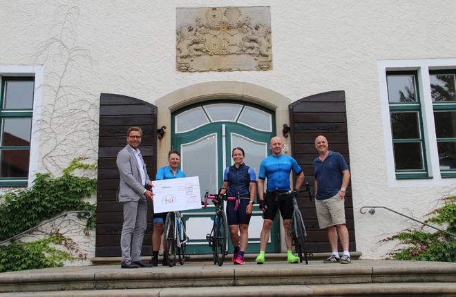En bicicleta desde Inglaterra a Espelkamp por una buena causa<br />