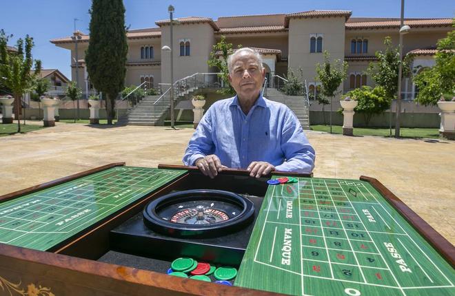 La historia del due&ntilde;o del primer casino de Granada<br />