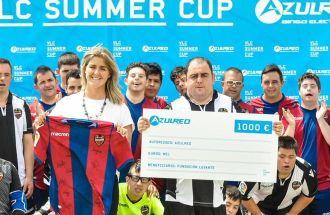 Gran &eacute;xito del torneo VLC Summer Cup patrocinado por Azulred<br />