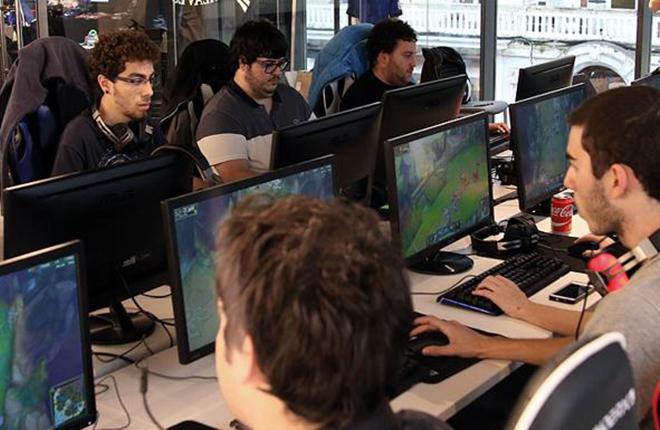 Euskadi tambi&eacute;n juega a los eSports<br />