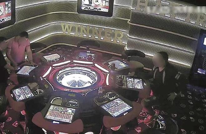 Saquean 500.000 euros en salones de juego de Alc&uacute;dia y Can Picafort con billetes de cinco euros pegados con celo<br />