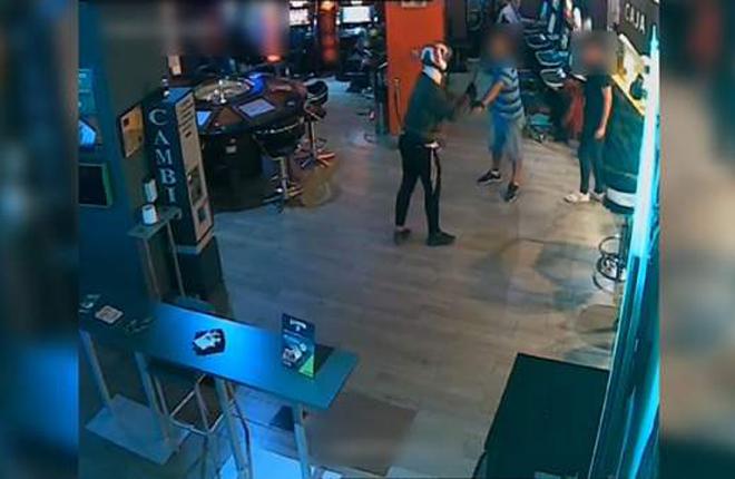 Cae en Atarfe una peligrosa banda de atracadores responsable de 12 robos en salones de juego<br />