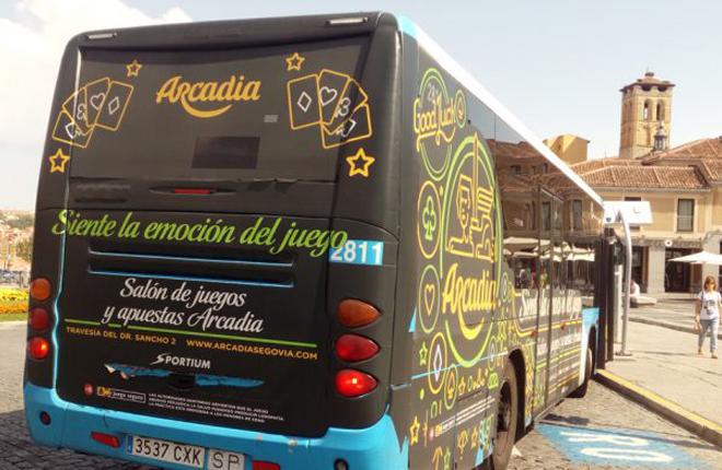 No hay respaldo legal para quitar la publicidad del juego de los autobuses de Segovia