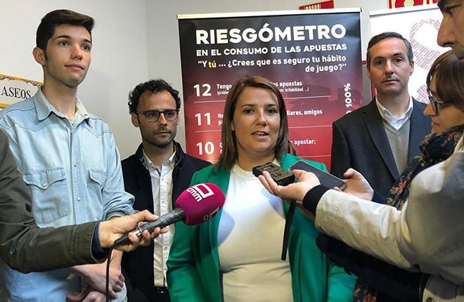 CASTILLA-LA MANCHA: La consejera de Fomento se queja del exceso de locales de juego