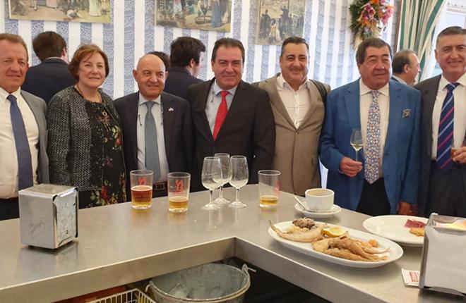 La caseta de Ignacio Benítez (ASOBING) en la feria de Sevilla, punto de encuentro de los empresarios del juego