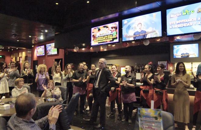 Jubilación de Vicente Sancho, jefe de sala del Bingo Torrefiel durante más de dos décadas