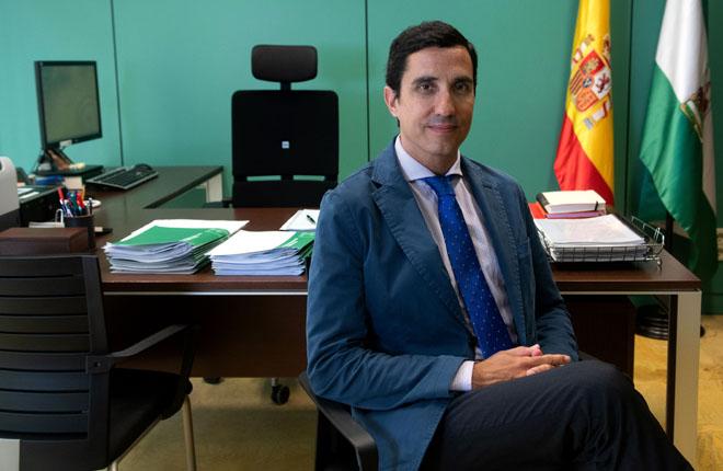 """ENTREVISTA A MANUEL VÁZQUEZ: """"No existe una gran proliferación de salones en Andalucía y debe ser la propia ley de oferta y demanda la que determine si hay muchos o pocos"""""""